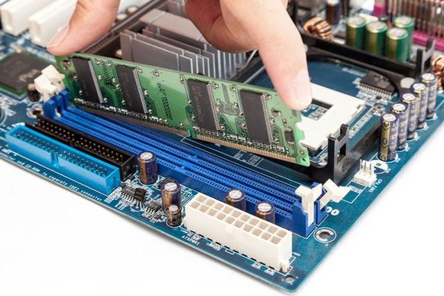 DDR RAM là gì? DDR4 khác gì DDR3, DDR2?